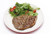 Low carb steak and salad — Stock Photo