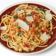 Spaghetti with chickpeas and parmasan — Stock Photo #40347715