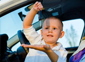 Little boy playiing with car keys — Stock Photo