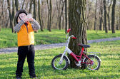 Young sportsman stopping for a drink — Stock Photo