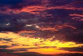 Beautiful fiery orange and purple sunsetBeautiful fiery orange and purple sunset — Stock Photo