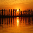 U bein bridge at sunset in Amarapura near Mandalay, Myanmar (Burma) — Stock Photo