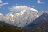Jade Dragon Snow Mountain, Lijiang, Yunnan province, China — Stock Photo