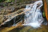 中国、福建省武夷山の近くの滝 — ストック写真