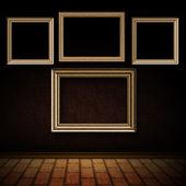 Quarto velho com frames de madeira — Foto Stock