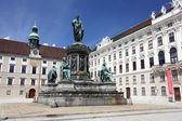 Denkmal vor der hofburg — Stockfoto