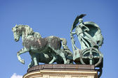 Horse statue on Heroes square in Budapest — Stock Photo