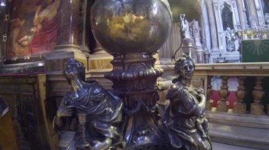 Nápoles, italia - alrededor de octubre de 2013: capilla de san genaro — Vídeo de Stock