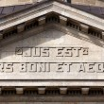 Slogan at the Supreme Court of Hamburg — Stock Photo