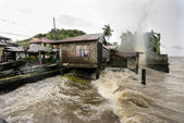 Hurricane Haiyan hits the Philippines — Stock Photo