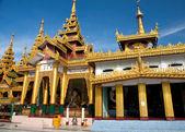 Golden temple pavilion encircling the main pagoda at Shwedagon Pagoda, Yangon in Myanmar. — Stock Photo