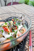 Steamed seabass with ginger, garlic, spring onion and tomato. — Stock Photo