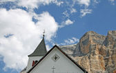 Church in the foothills of the Dolomites in Italy — Stock Photo