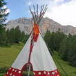 Indian tent cone shaped in an Indian reserve — Foto de Stock