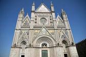 Brilhando a fachada da catedral de orvieto — Foto Stock