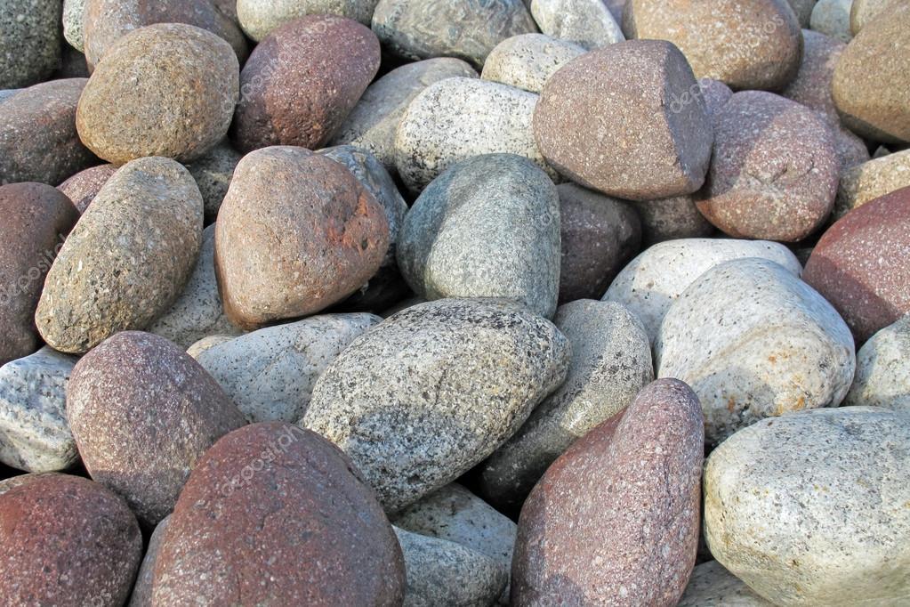 piedras del ro para la decoracin de jardines y furnitur urbano u foto de stock