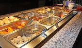 Tray filled with food inside the self service Chinese restaurant — Stock Photo
