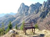 Bench on the top of a mountain in the Alps — Stock Photo