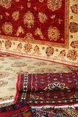 Texturen en achtergrond van handgemaakte tapijten en tapijten — Stockfoto