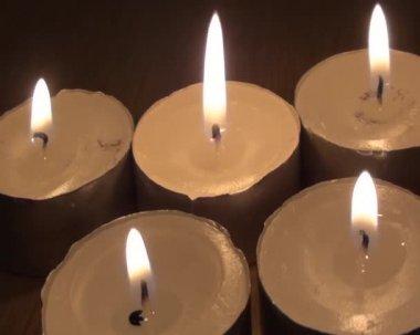 Fem ljus i en italiensk spa — Stockvideo