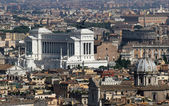 Italiano nacional monumento a vittorio emanuele ii en roma en pia — Foto de Stock