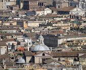 Roofs of palaces, churches and houses in the center of Rome — Stock Photo