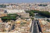 View of the city of Rome with Castel Sant Angelo — Stock Photo