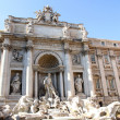 Fountain of trevi in Rome center with marble statues — Stock Photo