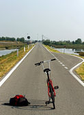 Trekking bike for a ride in the middle of the Venetian Lagoon ne — Stock Photo
