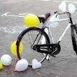 Decorated bicycle to make a joke to two future bride and groom j — Stock Photo