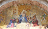 Mosaico con jesús en la fachada de la basílica de santa en piazza s — Foto de Stock
