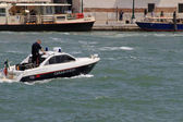 Ship of law enforcement with a carabienire on patrol in Venice — Stock Photo