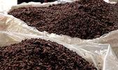 огромные мешки марк, сделанные из шкур винограда сделать граппа — Стоковое фото