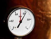 Accurate pressure gauge for measuring pressure — Stock Photo
