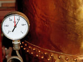 Pressure gauge for measuring pressure in the container 3 — Stock Photo