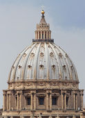 Detail of the dome of the Church of San Pietro in Rome — Stock Photo