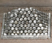 Marble cannon balls in Castel St. Angel in rome — Stockfoto
