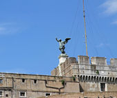 Beautiful bronze statue of an Angel on top of the castle of Sant — Stock Photo