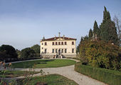 Garden of villa veneta in the mountains of the town of Vicenza — Foto Stock
