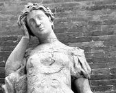 Statue with headaches — Stock Photo