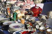 Precious antique furnishings and retro ceramic plates — Stock Photo