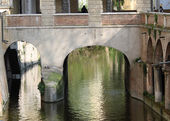 Water channel of Mantua via Pescheria ancient means of communica — Stock Photo