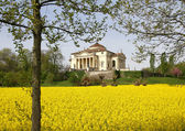 Magnificent palladian Villa called LA ROTONDA in neo-classical s — Stock Photo