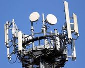 Antennas for signal repetition of mobile telephony and televisio — Stock Photo
