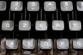 Touches du clavier de la mécanique d'une vieille machine à écrire — Photo