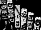 Letter macros & called ampersand inside an ancient mechanical ty — ストック写真