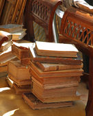 Many old book in antiques shop — Stock Photo