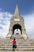 Ossuary of the fallen in war on Mount CIMONE with boy — Stock Photo