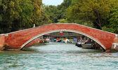Antik tuğla köprüsü venedik — Stok fotoğraf