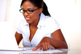 Afro-american female studying — ストック写真